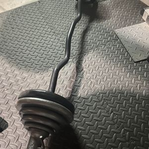 💥 Ez Curl Bar w 60lbs Weights w Collars 💥 for Sale in Bakersfield, CA