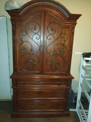 Chest drawer for Sale in Riverside, CA