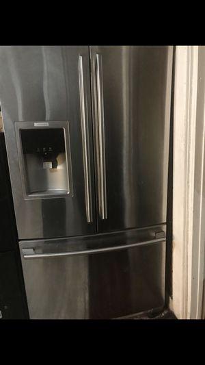 Electrolux refrigerator for Sale in Hamtramck, MI