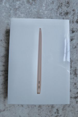"""MacBook Air 2019 13"""" TOUCH ID GOLD **BRAND NEW** 256GB SSD for Sale in Silver Spring, MD"""