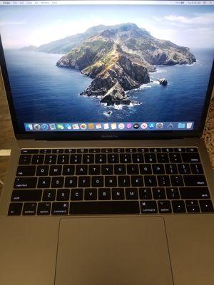 2017 macbook pro i7 8gb ram 128ssd for Sale in Atlanta, GA