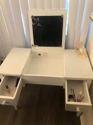 White vanity for Sale in San Marcos, CA