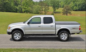 ~2oo3 Toyota Tacoma SR5~$14oo Low Price for Sale in Cedar Rapids, IA