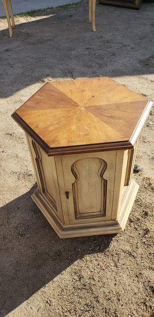 Vitorian style side table for Sale in San Bernardino, CA
