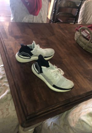 Adidas UltraBoost 19 size 9 for Sale in Alta Loma, CA