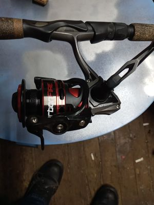 Lews carbon fire lightning ro fishing rod snd reel for Sale in Middletown, OH