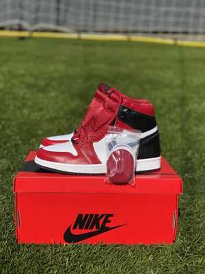 "Air Jordan 1 ""Satin Snake Chicago"" for Sale in Signal Hill, CA"