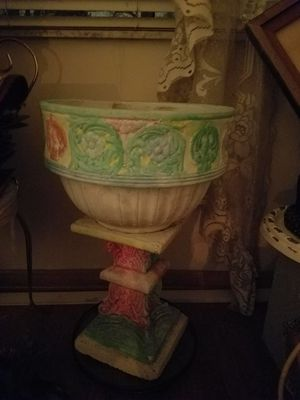 Ceramic flower pot for Sale in Maple Heights, OH