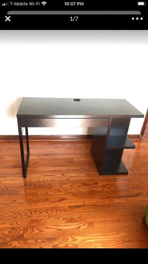Ikea desk MICKE for Sale in Chicago, IL