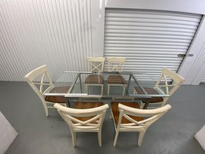 TABLE and CHAIRS/ Delivery Negotiable for Sale in Pompano Beach, FL