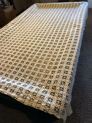 Antique: Large Handmade Crocheted Tablecloth for Sale in Hesperia, CA