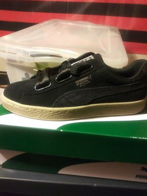 Puma ladies sneakers for Sale in Severn, MD