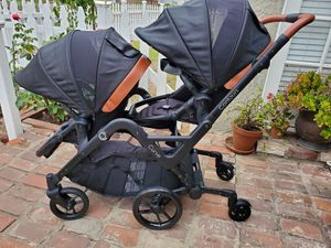 Contours Curve Double baby Stroller in Jet Black for Sale in Glendora, CA