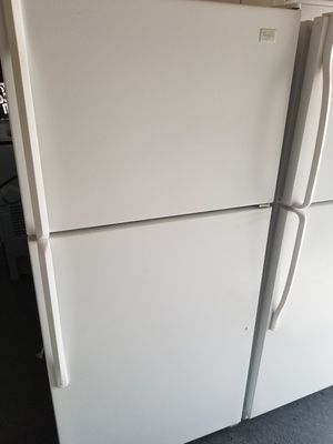 WHIRLPOOL TOP FREEZER for Sale in Costa Mesa, CA