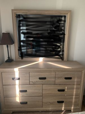 BEDROOM SET for Sale in Phillips Ranch, CA