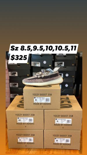 Yeezy 350 zyon for Sale in Springfield, MA