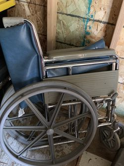 Wheelchair for Sale in Newberg,  OR