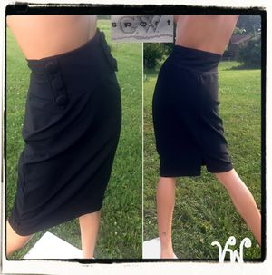 GW SPORT Woman's Black Poly Blend Stretch Knot High Waist Pencil Straight Knee Skirt~ M for Sale in Paris, KY