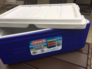 Coleman 24 can party stacker cooler for Sale in Lake Mary, FL