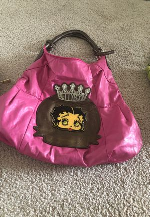 One coach bag, (1) Betty boop purse, (2) Michael Kors wallet, (1) Louis Vuitton wallet. Fairly used, good condition. for Sale in Suitland, MD