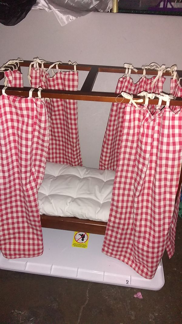 American Girl Doll Pleasant Company Felicity's Bed