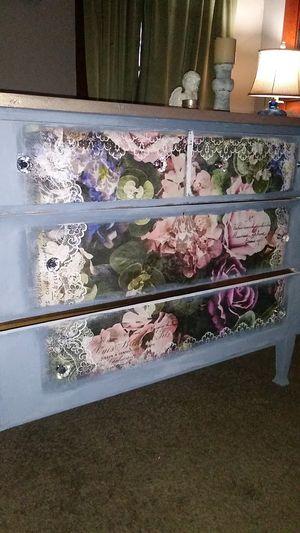 Antique Solid Oakwood Dresser for Sale in Bakersfield, CA