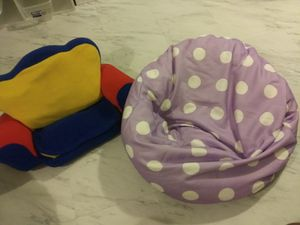 Kids chair and bean bag for Sale in Columbus, OH