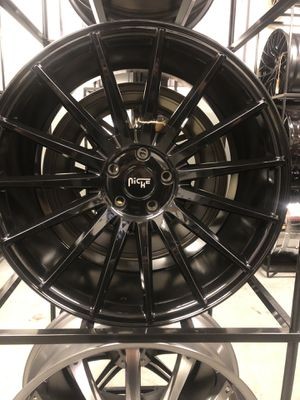 BRAND NEW set (4) Gloss Black staggered 20 inch rims for only $1000!! for Sale in Joint Base Lewis-McChord, WA