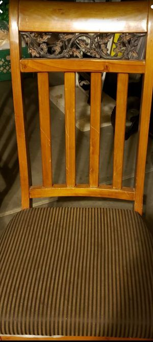 4 beautiful chairs! The person that wanted, never came through!!! BEAUTIFUL CHAIRS for Sale in Phoenix, AZ