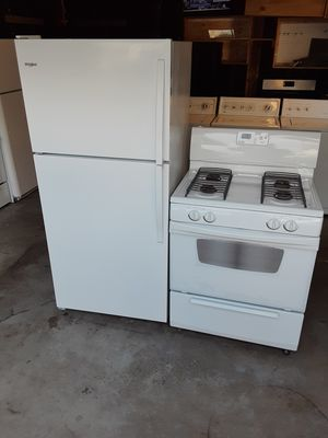 Whirlpool refrigerator and stove for Sale in Bellflower, CA