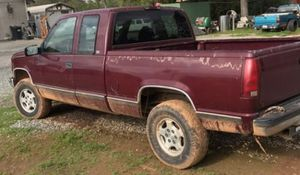 98 Chevy 1500 4x4 Extracab for Sale in Auburn, CA