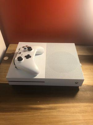 Xbox one S halo bundle 500 GB for Sale in West Orange, NJ