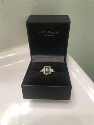 Genuine emerald ring with real diamonds, 14k gold band for Sale in Fairfax, VA