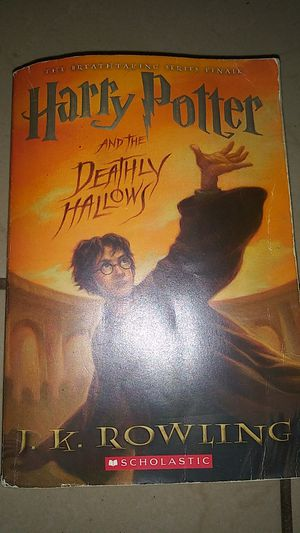 Harry potter and the deathly hallows paperback for Sale in Lake Worth, FL