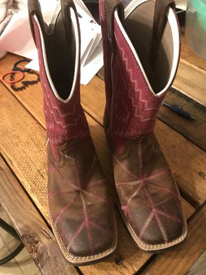 Girls Ariat boots size 1.5 for Sale in Glenpool, OK