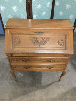 Gorgeous Americana Style Drop Front Secretary Desk - Delivery Available for Sale in Tacoma,  WA