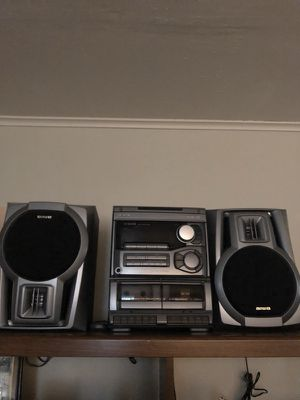 Compact disc stereo system,w/remote control unit for Sale in Lakewood, WA