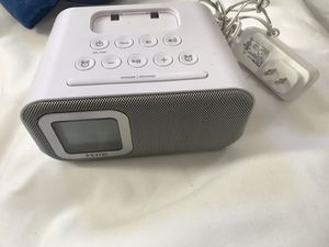 IHOME BLUETOOTH SPEAKER with DUAl ARALM, USB CHARGER and LINE-IN for Sale in Stockton, CA