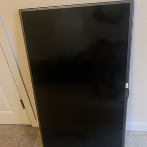 LG 42 Inch 1080p LED TV for Sale in Seattle, WA