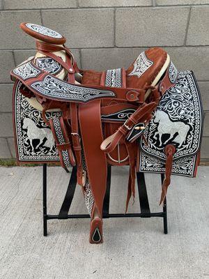 Montura bordada De Hilo máquina 100% piel cuero Hechas en mexico 🇲🇽 Disponible para Hacer Entregas 🚚 a domicilio for Sale in Rancho Dominguez, CA