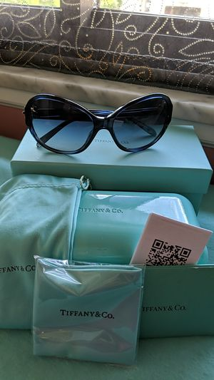Tiffany Sunglasses Tf4068 Daisy for Sale in McKeesport, PA