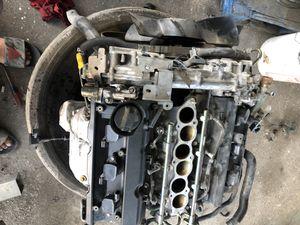 Motor infiniti g35 parts un enciende solo es de cambiarles lo en empaques de cabeza y metales no suena nose que problema en realidad 182 millas for Sale in Hutchins, TX