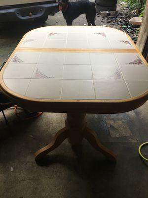 kitchen / dinning room table for Sale in Branchville, NJ