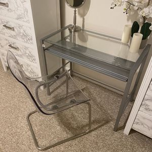 Vanity table , Clear chair, Mirror for Sale in Fort Washington, MD