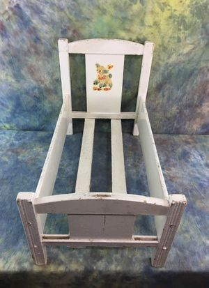 Antique White Doll Bed w/Lamb for Sale in Minnetrista, MN
