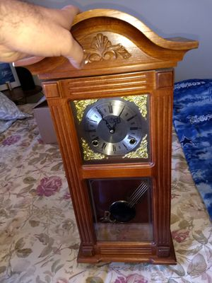 Antique wall clock for Sale in Sylmar, CA