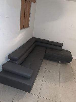 Brand new sectional couch FREE DELIVERY for Sale in Pembroke Pines, FL