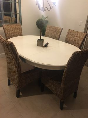 White Kitchen Table for Sale in Oakland Park, FL
