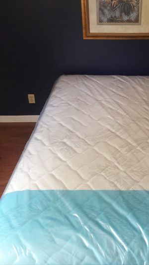 NEW QUEEN MATTRESS AND BOX SPRING FREE DELIVERY 🚚.. for Sale in Palm Beach, FL