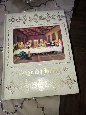 Sagrada biblia for Sale in Pasadena, TX